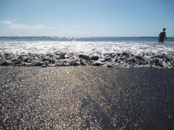 atlantin-maininki-lyö-rantaan (640x480)