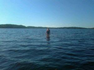 Saimaalla voi kävellä vetten päällä, Vanajassa on vähemmän kareja ja kiviä pinnan alla.