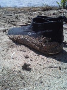 avantotossut kuumalla hiekalla