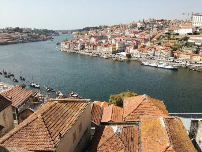 Porto Douron yli Gayan puolelta